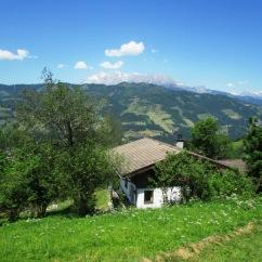 Art Chalet und Garten mit Blick nach Westen zum Hochkönig